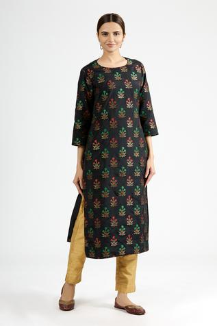 Embroidered Banarasi Silk Kurta