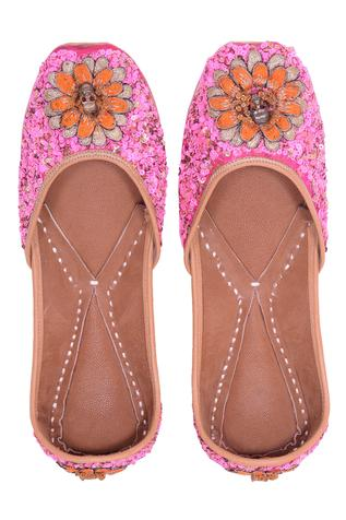 Silk Floral Embroidered Juttis