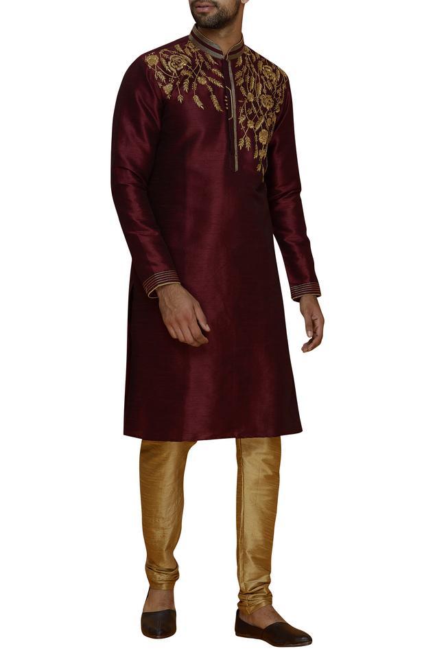 Embroidered kurta set