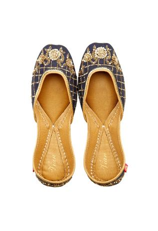 Dusky blue & gold floral embroidered juttis