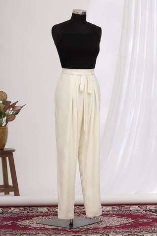 Pleated Pant with Belt
