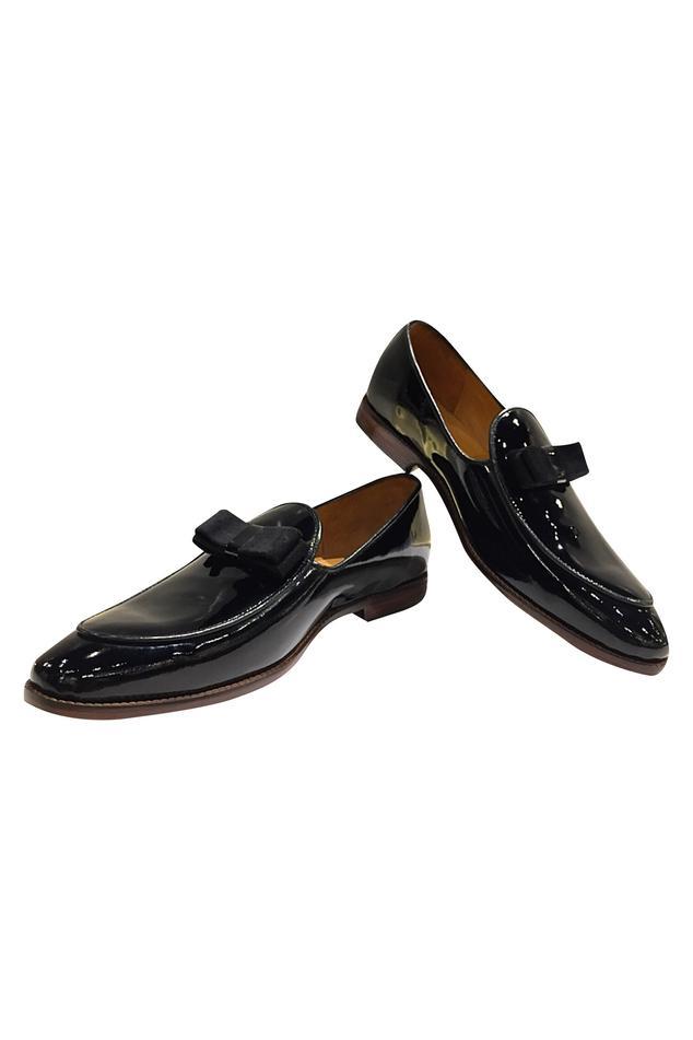 Kiltie Bow Block Heel Loafers