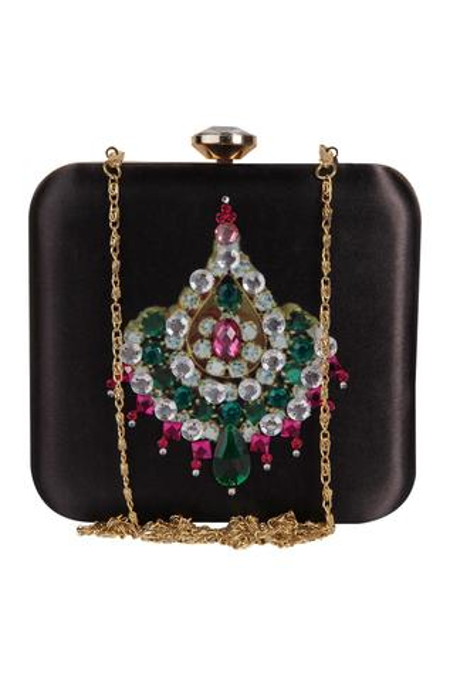 Zardozi & hand embroidered pearl clutch