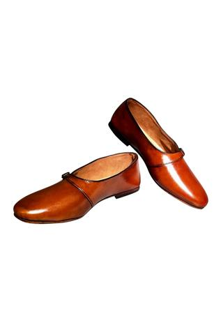 Handcrafted pure leather flipside shoes