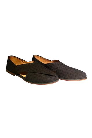 Handcrafted peshawari shoes