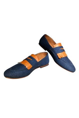 Dual color handcrafted loafers