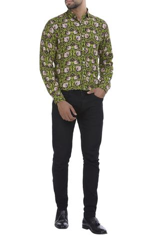 Floral blooms printed cotton shirt