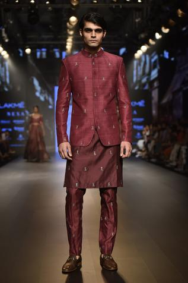 Embellished kurta set