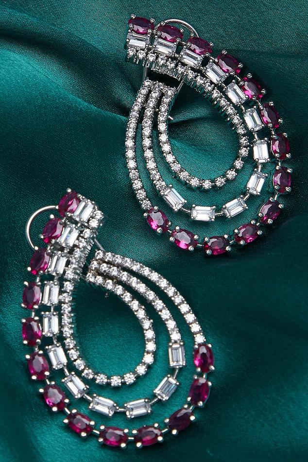 Paisley design stud earrings