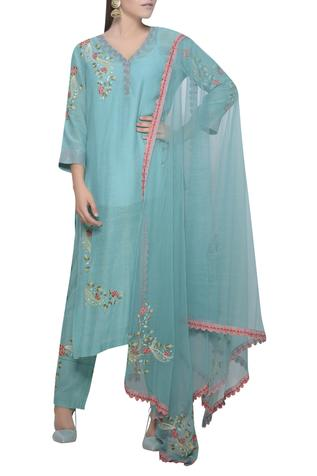 Straight fit embroidered kurta set