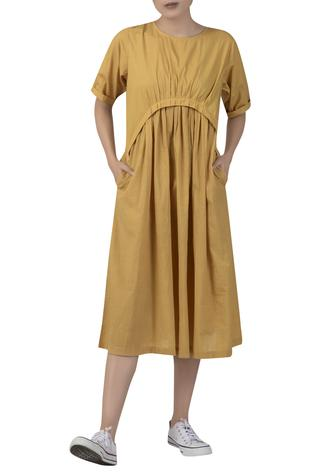 Gather detail dress with side pockets