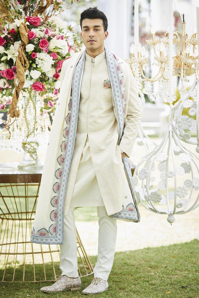 Spun silkembroidered shawl