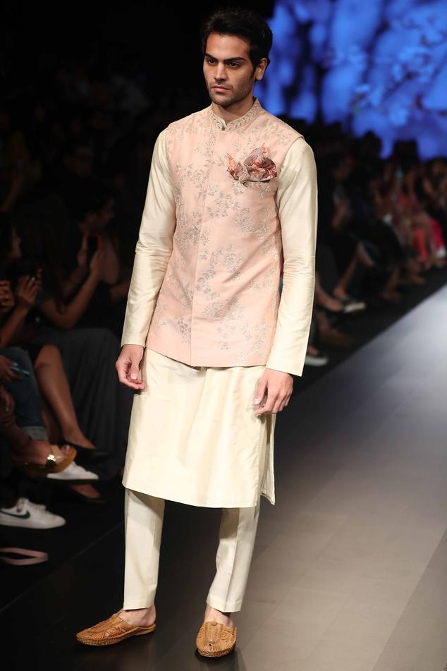 Cotton Embroidered Bundi & Kurta Set