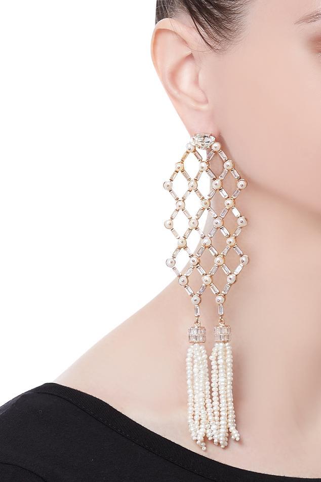Tassel earrings encrusted with pearls