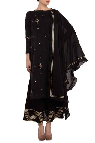 Black zari embroidered kurta set