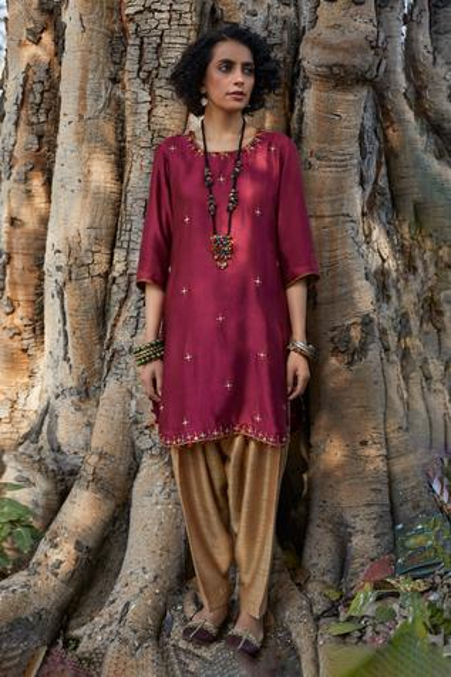 Handwoven Chiniya Silk Kurta Set