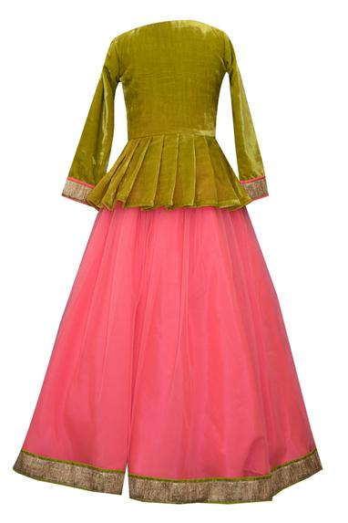 Parrot Embroidered Peplum Top With Skirt