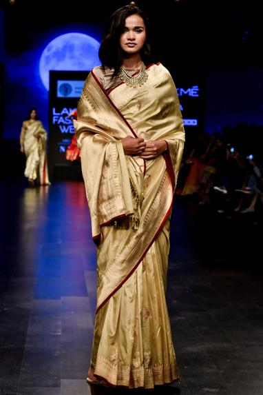 Pure Mulberry Silk Handwoven Saree With Blouse