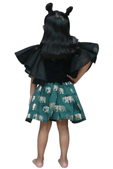 Pleated skirt with top