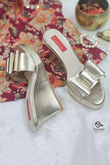 Bow Strap Wedges