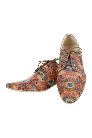 Brown floral printed shoes