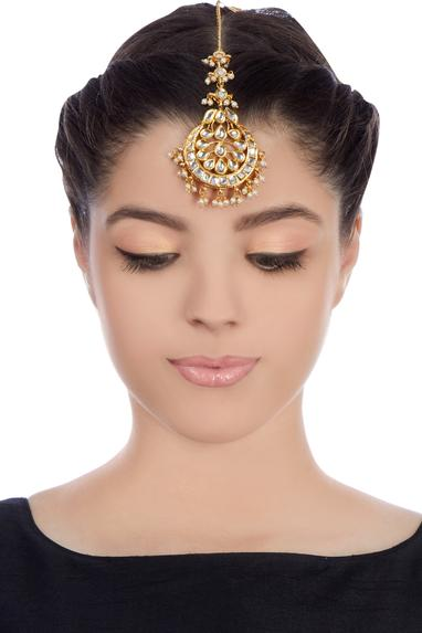 Gold plated kundan studded maangtika with kundan stones