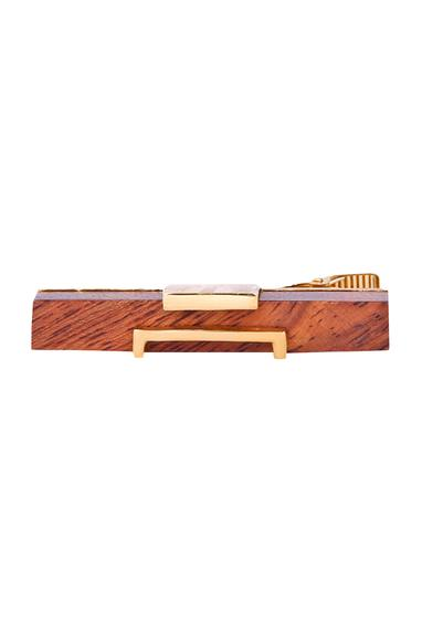 Gold bond metal & wood cube tie-pin