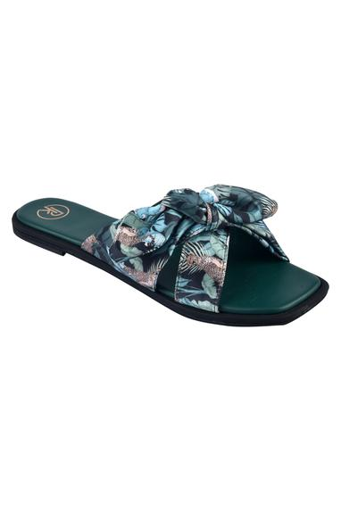 Printed Cross Strap Bow Sandals