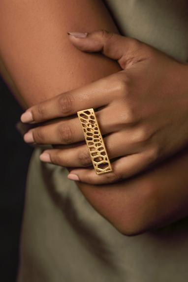 Cutwork Two Finger Ring