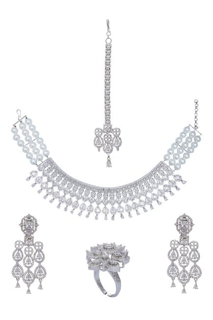 Crystal Choker,Earrings, rings & Maangtikka Set