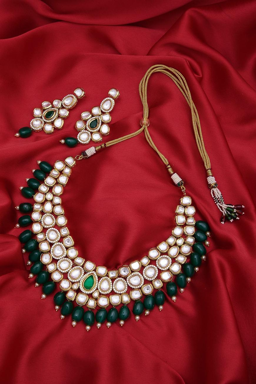 Kundan & bead choker set