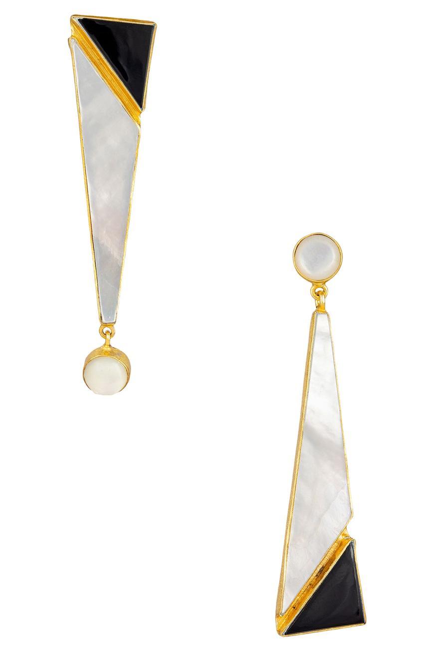 Mismatch stone earrings