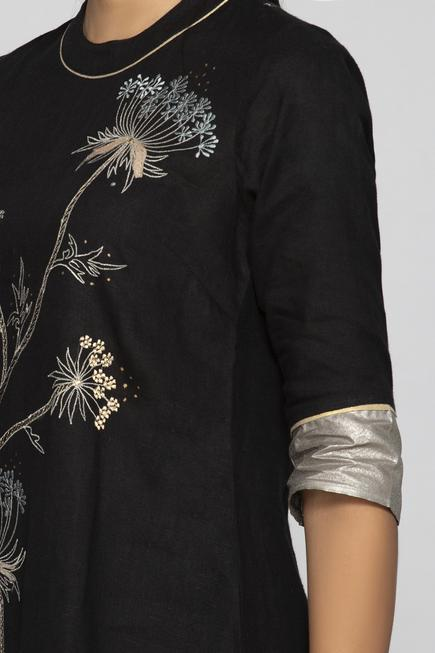 Linen Embroidered Kurta