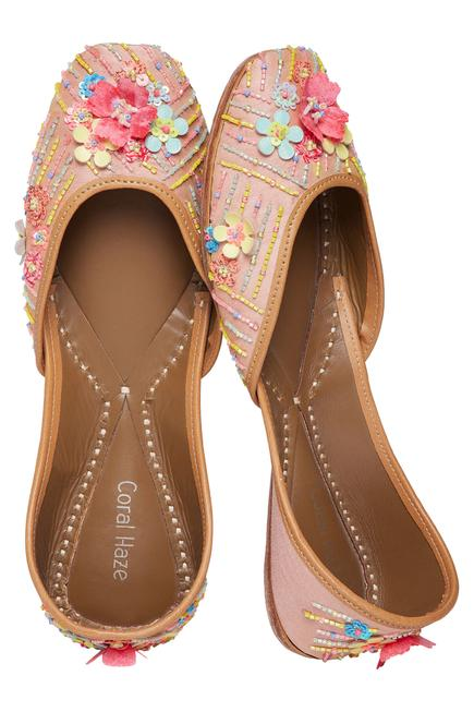 Silk Embroidered Juttis