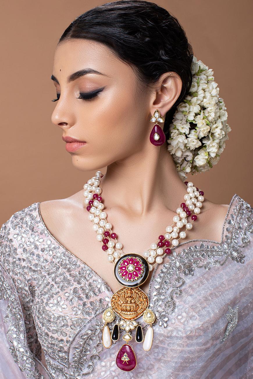 Keya Temple Pendant Necklace Set