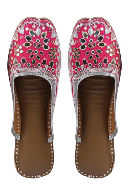 Silk Mirror Embellished Open-Back Juttis