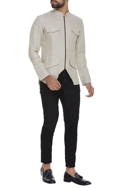 Zippered jacket with pockets