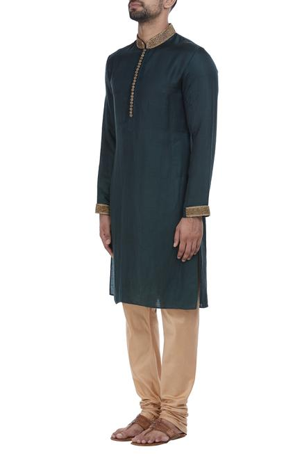 Zardozi embroidered kurta with churidar
