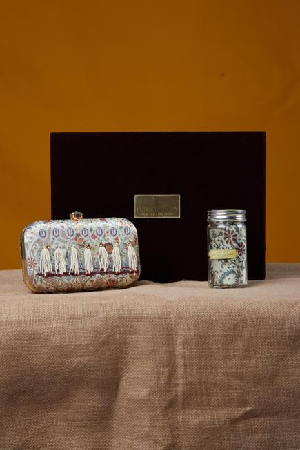 Pearl peacock printed clutch & pocket square with gift box