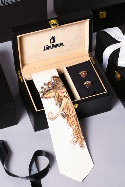 The Admirer Couture Box