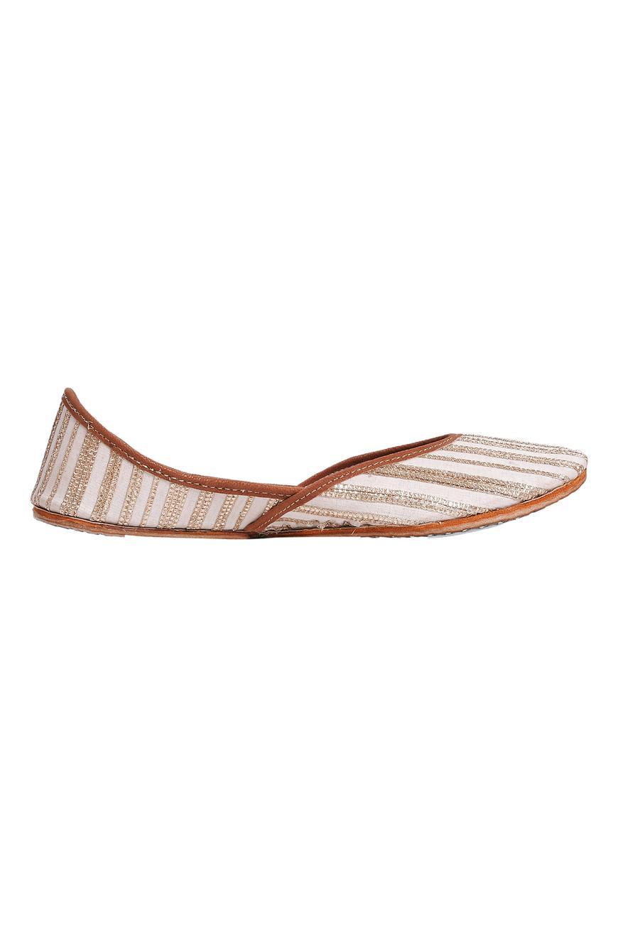 Chanderi Silk Striped Juttis