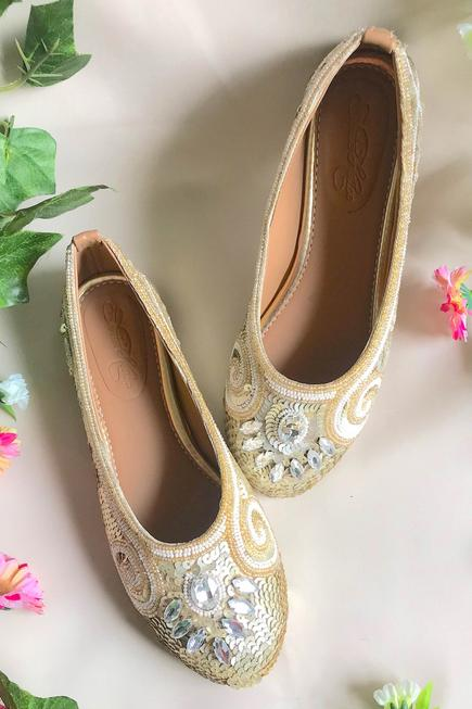 Embroidered Ballerina Shoes