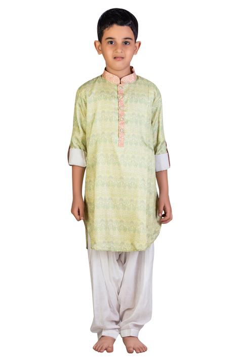 Printed kurta with patiala pants