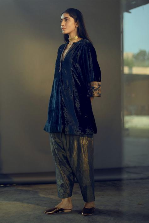 Embroidered Velvet Kurta & Pant Set
