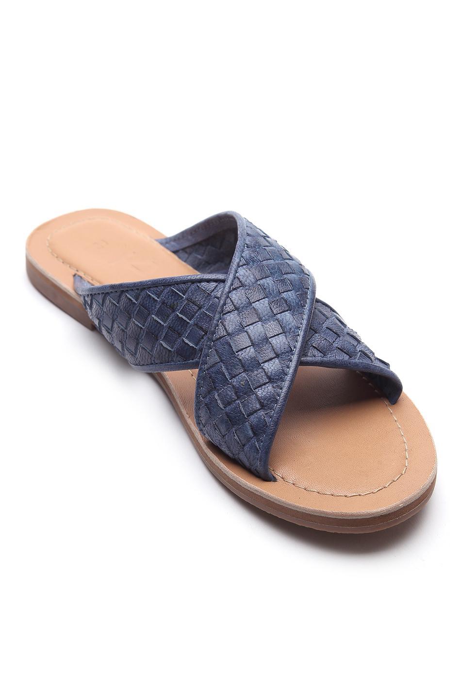 Cross Strap Textured Sandals