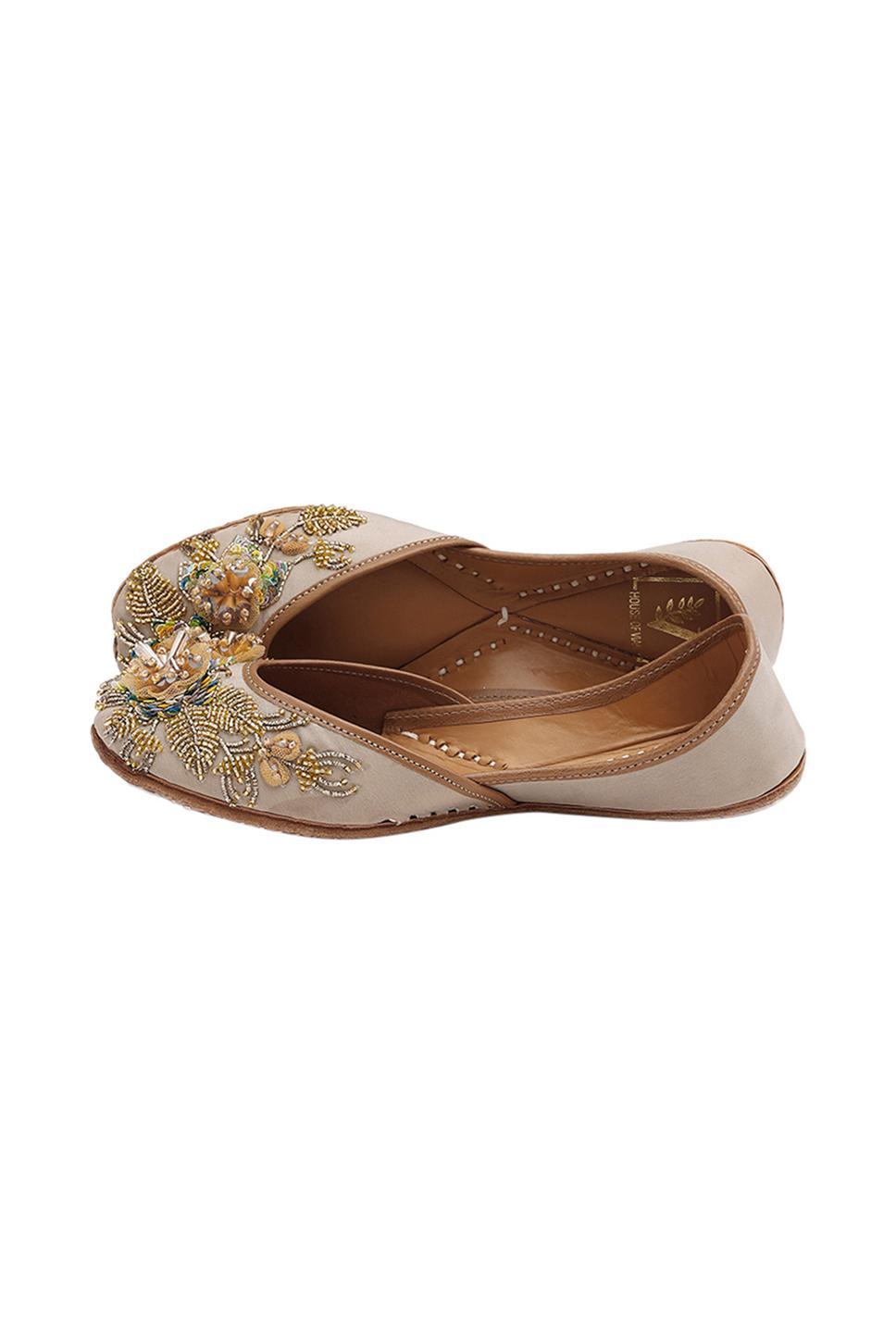 Handcrafted Bahaar Floral Embellished Juttis