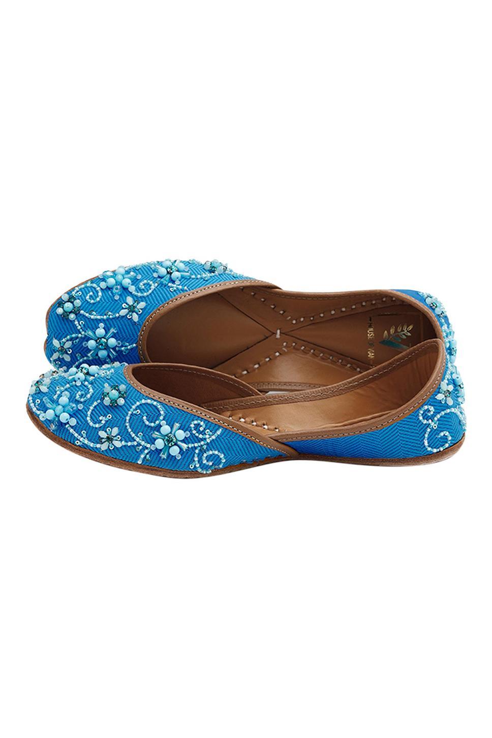 Falak Handcrafted Silk Bead Embellished Juttis